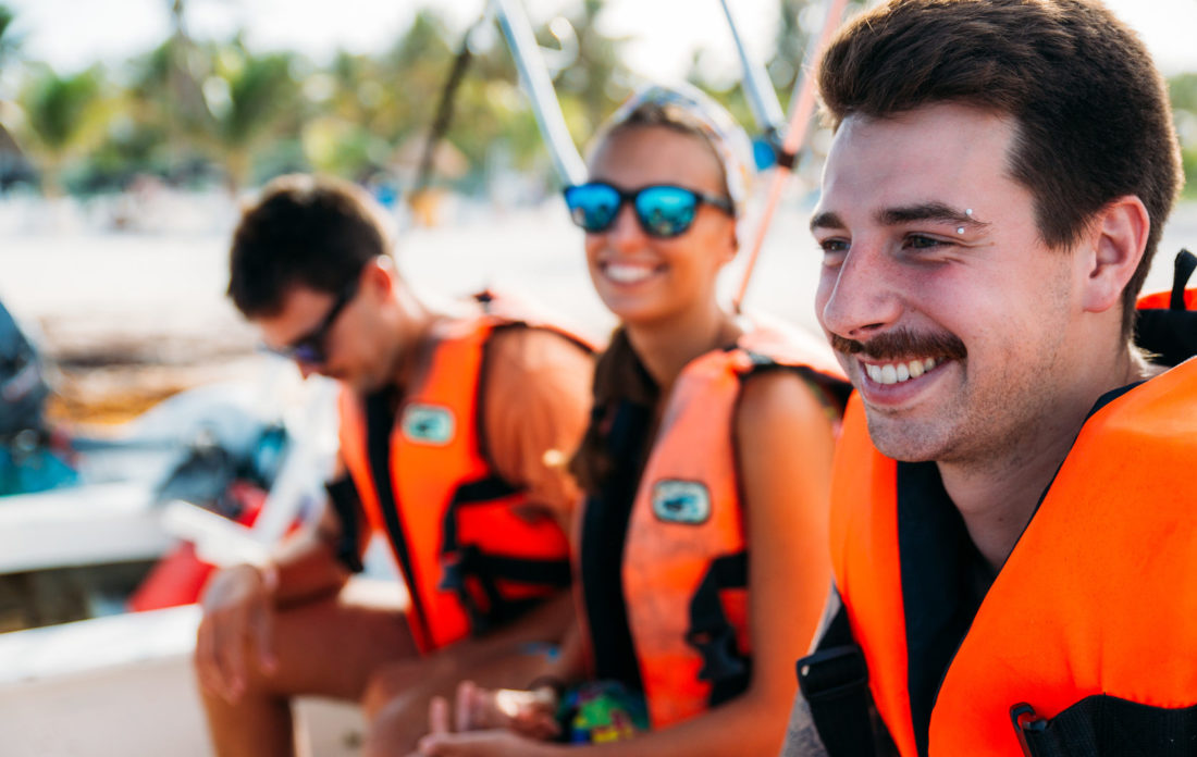 Student group travelling_boating
